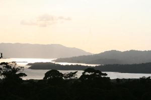 Lake Arenal by albinomintoreo