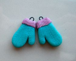 Little Knitted Mittens by clayfriends