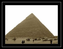 Good old Pyramids by Thoran