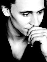 Tom Hiddleston by Hitachiin94