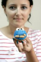 Cookie Monster Cupcake by HananeMOUJAHID