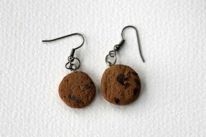 Chocolate Chip Cookie Earrings by arihoma