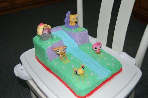 Littlest Pet Shop cake by customcakes