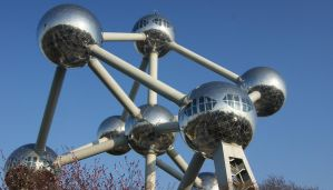 Atomium 2 by White-Starcloud