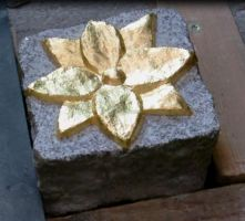 flower stone gold-plated - Steinblume vergoldet by stone-sculptor