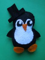 Felt Penguin by COVipeanut
