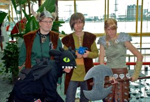HTTYD: Full Cosplay Group by blondewolf2