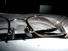 Contrasted Glasses by meggyweggy