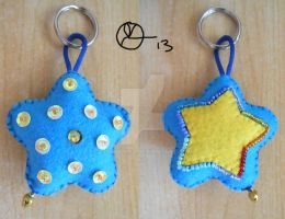 Blue and yellow star Keyholder by 402ShionS3