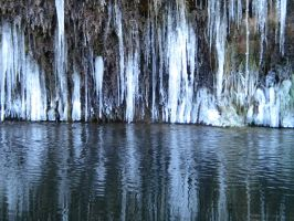 Icicles by montmartre96