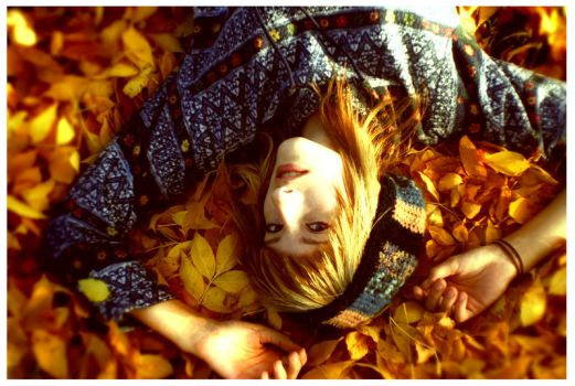 Welcome, Autumn. by disco-ball