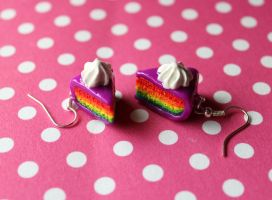 Rainbow cake earrings with purple fondant by rainboww-horror