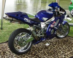 Yamaha YZF-R6 Limited Edition by Hella-Sick