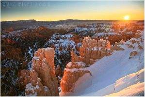 Sunrise at Bryce Canyon by tourofnature