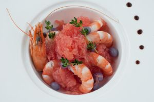 Shrimp and pomello salad by Hopscotchbaby