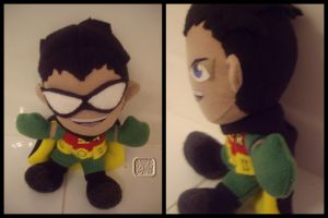 The Original Robin the Plushie by VesteNotus