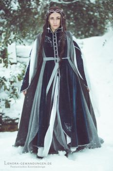 Elven Winter Costume 2009 by LenoraGewandungen