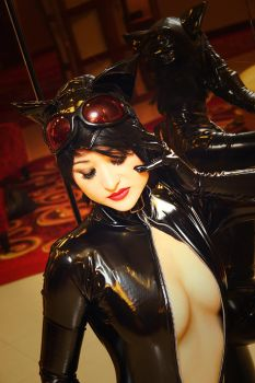 Glamor - Catwoman by Mostflogged