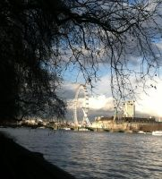 Thames and the Eye by Sekkaiki