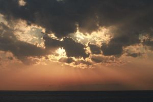 Cloudy sunset by semoland