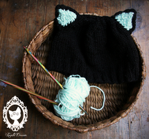 knitted cat hat by fayettedream