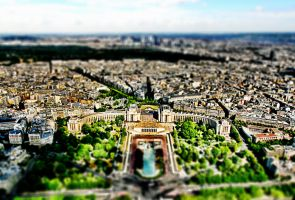 tilt shift - Paris by zpecter