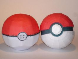 'Plushy' Pokeball Papercraft by Skele-kitty
