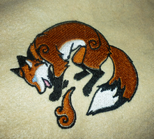 Kitsune embroidery by goiku