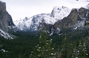 Yosemite With Snow by shawn1976