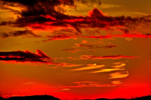 Sunset Over the Valley 1 HDR by Mac-Wiz