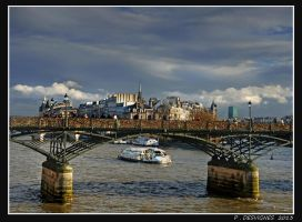 Pont des arts by bracketting94
