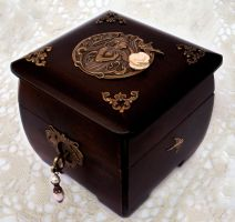 Wooden Treasure Box by Aranwen