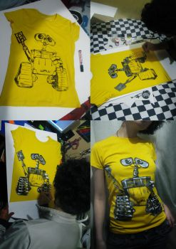 wall e on the t-shirt by tinec