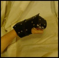 Leather half Gauntlet1 by Bear-Crafter