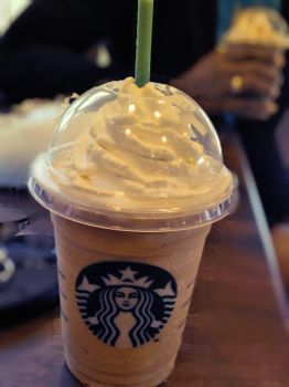 Starbucks Photography by XxMiKaCaKiExX