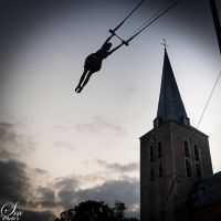 trapeze @ night by Littleboyathome