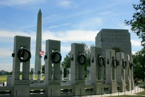 WWII Memorial and Wash Mon by Kippenwolf
