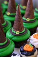 witch hat cupcake by GirlOfTheOcean