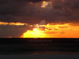 Sunset on the ocean by Wilya12