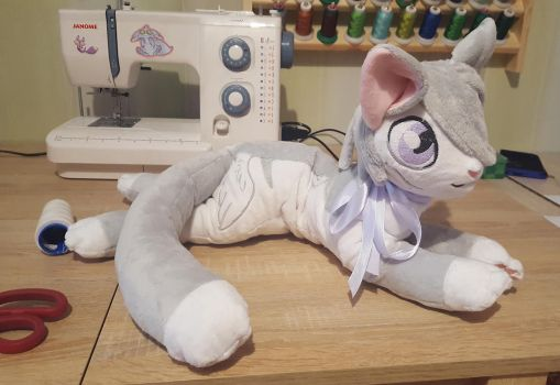 kitty plushie by zukori