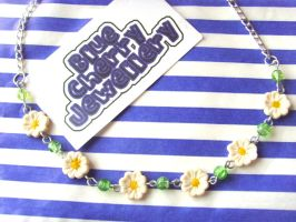 Daisy Chain Necklace by tyney123
