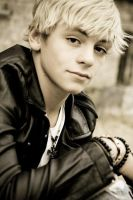 Ross Lynch- R5 band member by Pajohn