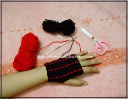 Red-striped Glove by honeyness