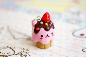 Hamster Cupcake by kukishop