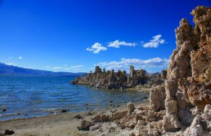 Mono Lake Tufas by hemasu