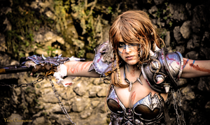 Female Barbarian - Diablo III (Azure Cosplay) by AzureBluevision