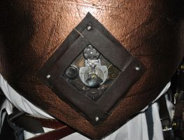Front piece build in machinery of steampunk armor by sleepyhamsteri