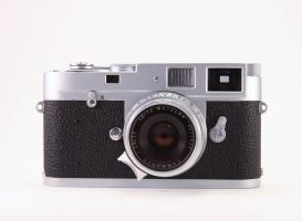 Leica M2 by acidfast
