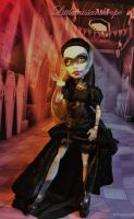 Haunting the halls by littlemissanthrope