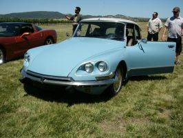 Citroen DS21 at the winery car show by RoadTripDog
